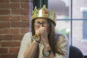 queen blowng her own horn