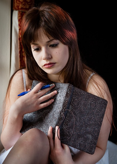 sad-woman-1055083_640